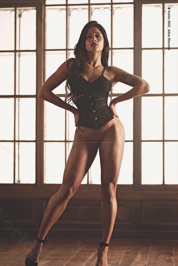 Aline Riscado Nua na Playboy