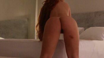 Bella Thorne nua
