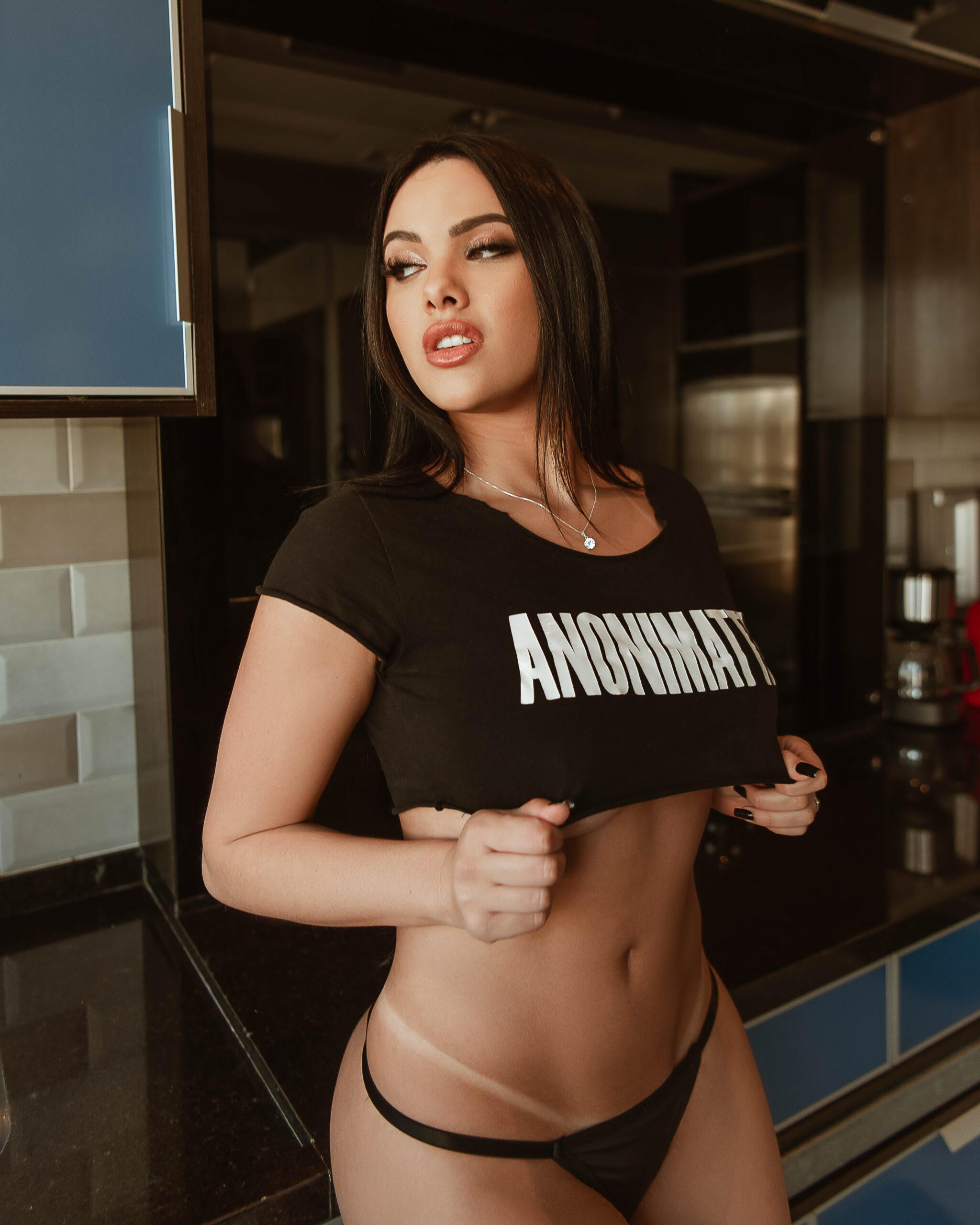 Emily Garcia nua