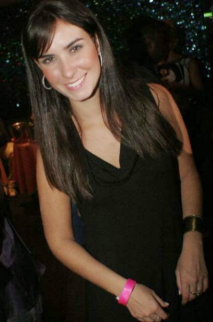 Larissa Erthal Nua