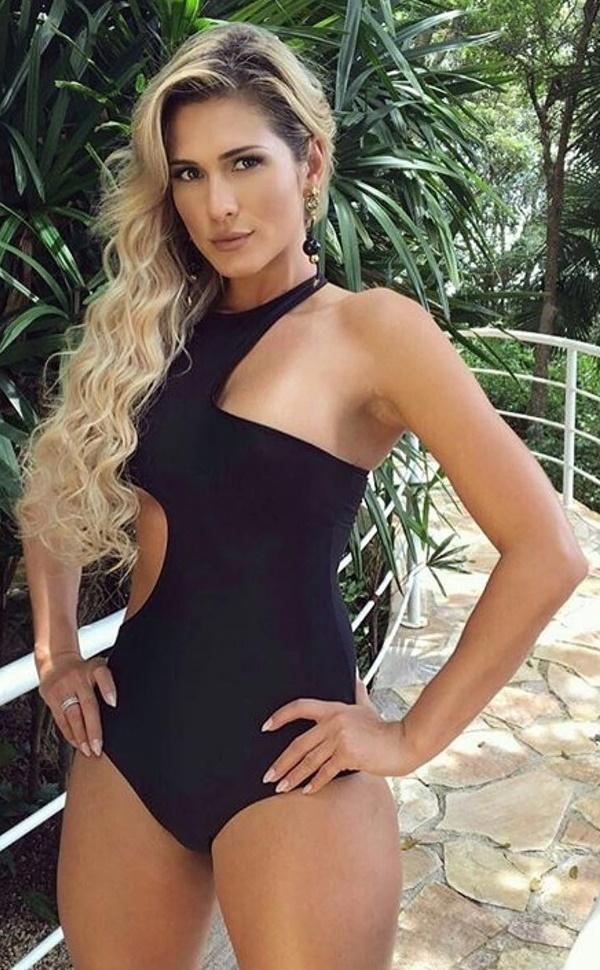 Lívia Andrade Nua - Lívia Andrade Pelada