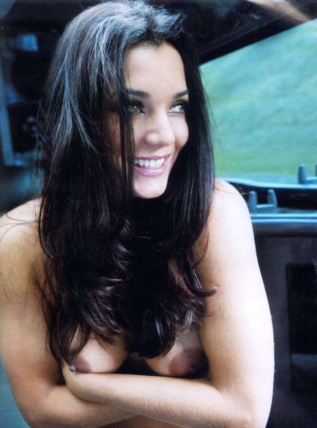 Mônica Carvalho Nua
