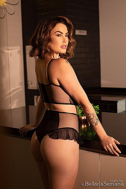 Amanda Soares Nua