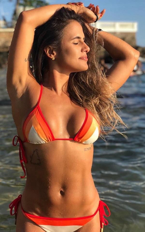 Carol Peixinho Nua e Pelada BBB 19