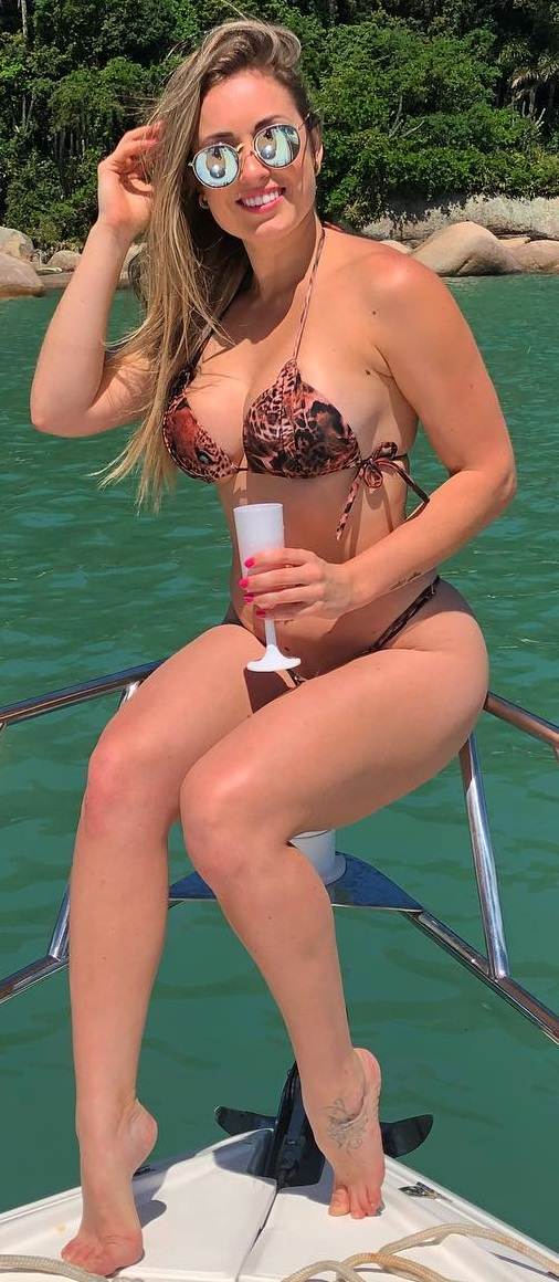 Jéssica Mueller Nua e Pelada BBB 18