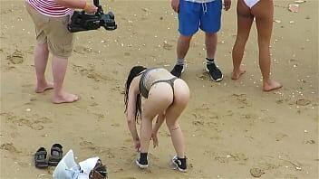 Nuas na praia - Videos flagra gostosas nuas na praia