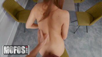 Atriz porno britney loirinha gostosa dando a xoxota
